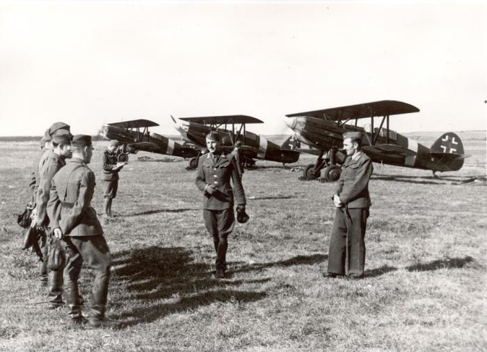 V strede Ivan Haluzický, veliteľ letiska a stíhacej perute bol v auguste 1944 hlavným organizátorom príprav protinemeckého povstania v leteckom pluku