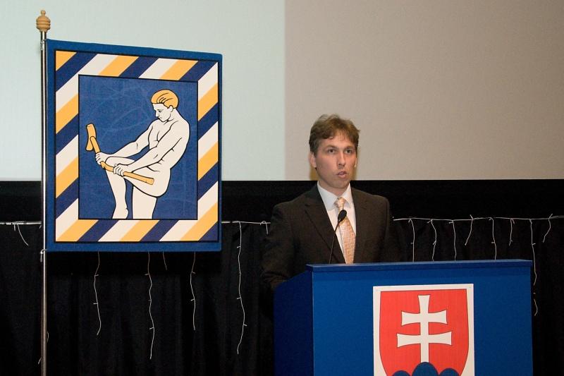 Za poslancov zložil sľub Tomáš Hudcovič