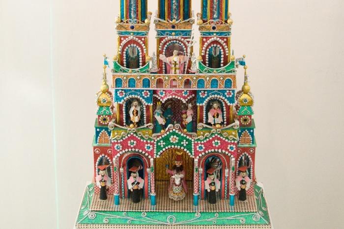 V Poľsku je tradíciou stavanie betlehemov nazývaných szopki. Obľúbeným materiálom sú bežné materiály – farebná fólia, drevo, papier, kartón. Autori majú veľký zmysel pre detail.