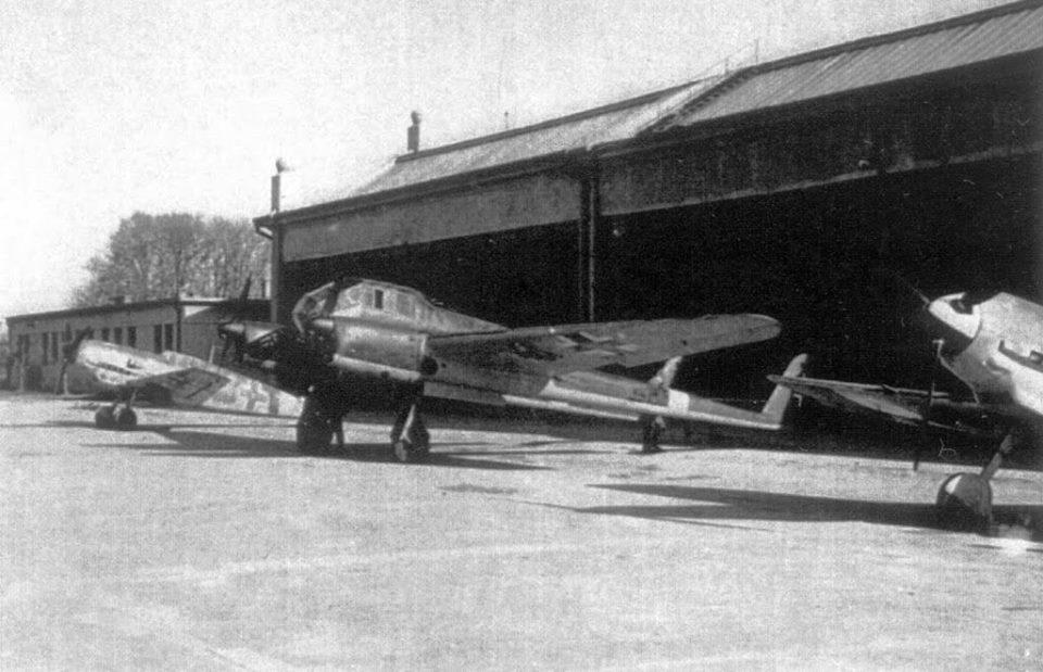 Letisko v roku 1943 alebo 1944 Foto: Piešťany - History, pridal: Laco Zeleňák