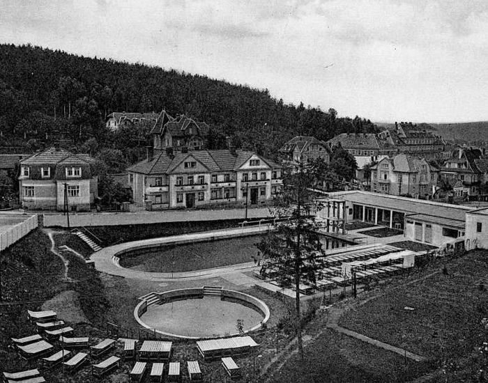 Pôvodná plaváreň v Luhačoviciach Autor: Bohuslav Fuchs