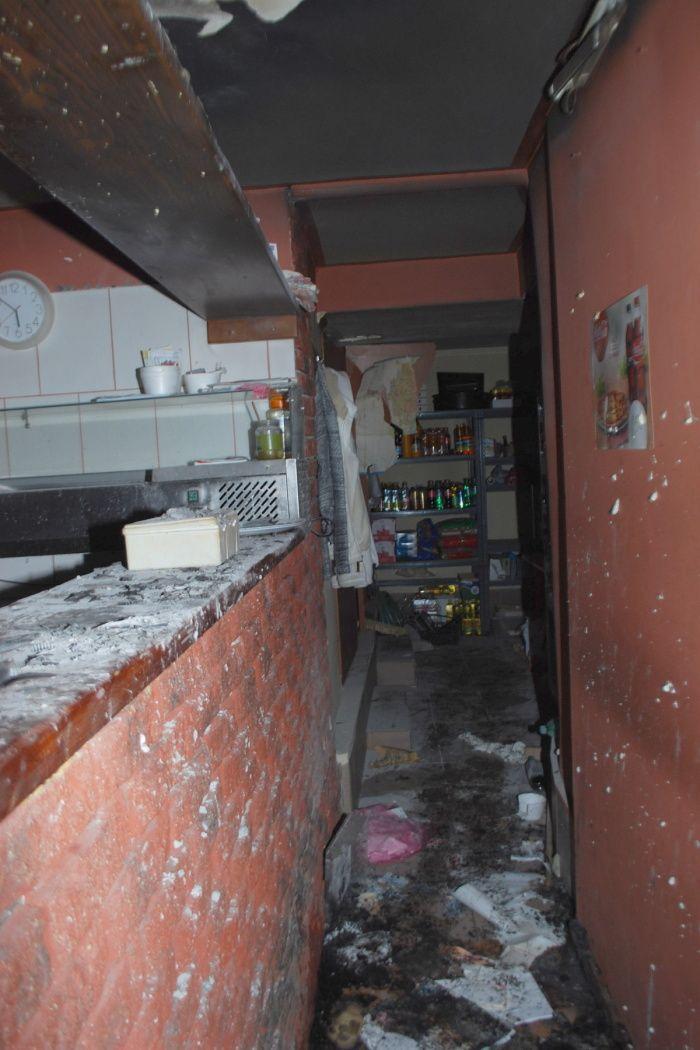 Na snímke následky výbuchu v reštaurácii na Lúčnej ulici. Zdroj: KR PZ Trnava