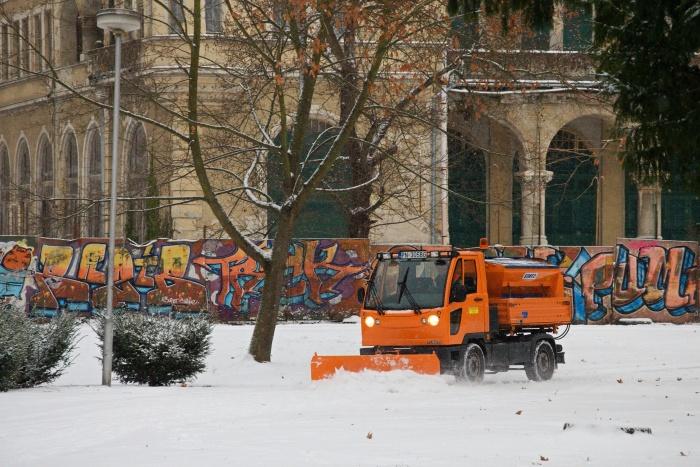 zima sneh 12