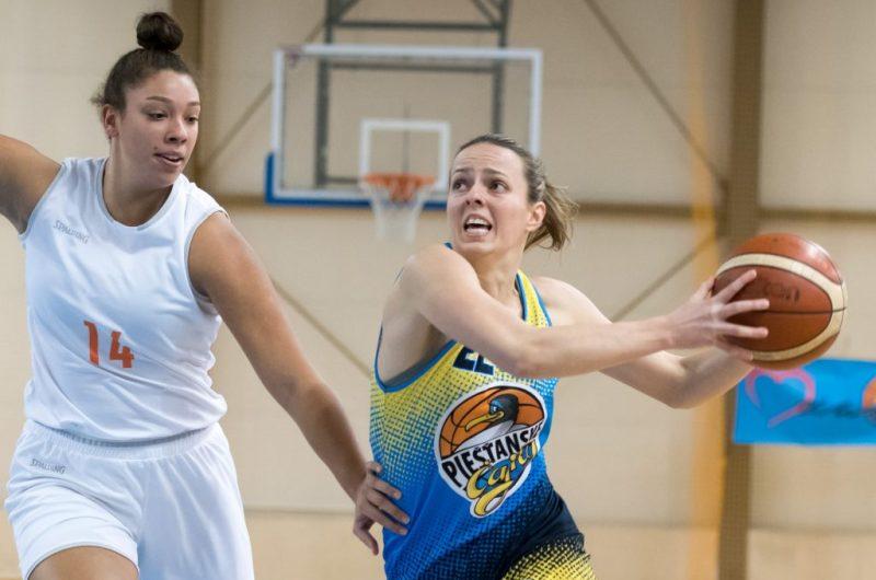 Piešťanské basketbalistky si postup do semifinále vybojovali v najkratšom  možnom čase b92c807abc0