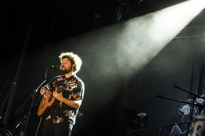 Festival však museli krátko po sobotnom koncerte José Gonzáleza predčasne ukončiť kvôli búrke.