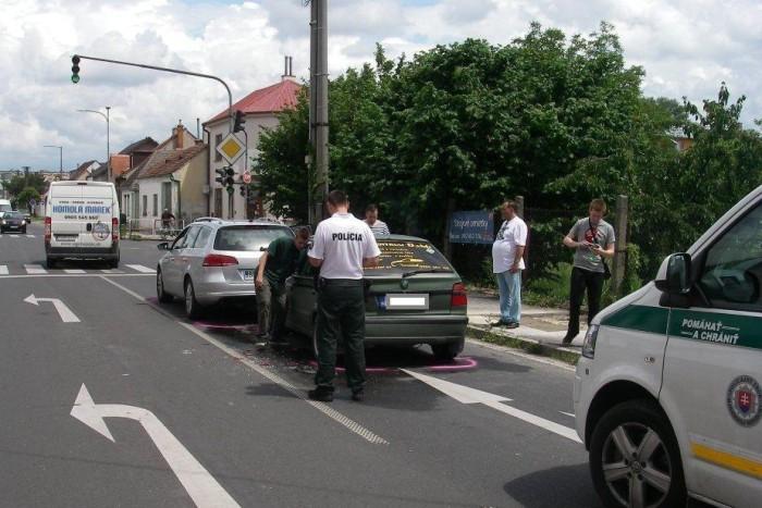 nehoda policia bratislavska